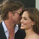 Video-Angelina-Jolie-Brad-Pitt-Flirting-Red-Carpet